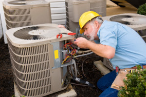 HVAC-Tech-Working-on-AC-Unit